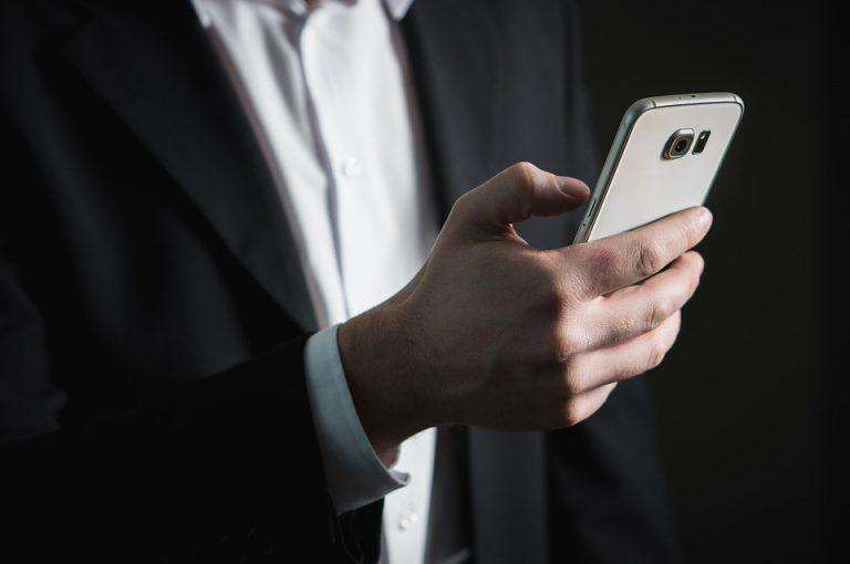 Voor op je mobiel Deutschland e business smartphone scherm 768x510 - Wat is het beste besturingssysteem voor gamen