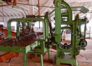fabrieksmachines 300x217 - fabrieksmachines