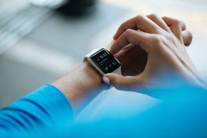 SmartWatch 300x200 - Kunstmatige intelligentie in de gezondheidssector